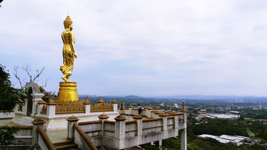 Wat Phra Thai Khao Noi1