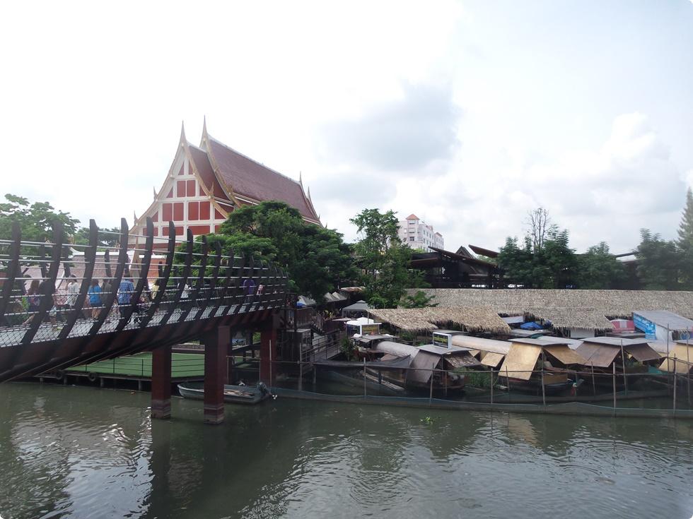kwan-riam-floating-market-4