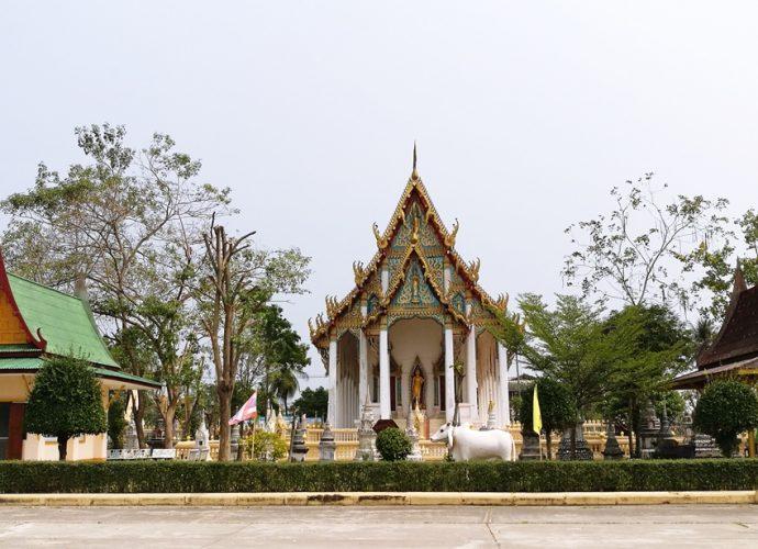 วัดหนองปลาไหล Wat Nong Pla Lai1